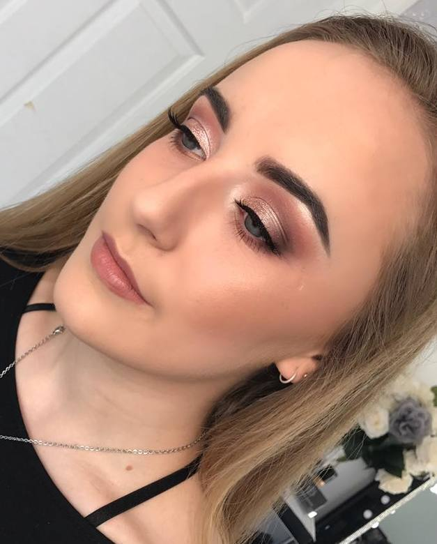 Bridal Makeup, Bridal hair and makeup, Bridal makeup artist, makeup artist, makeup lessons, makeup courses in Berkshire, Surrey, Hampshire, Farnham, Alton, Chertsey, Sandhurst, Yateley, Bracknell, Ascot, Windsor, Sunningdale, Fleet, Guildford, Frimley, Reading, Aldershot, Camberley, Farnborough, Crowthorne, Basingstoke, Woking, Wokingham, Maidenhead